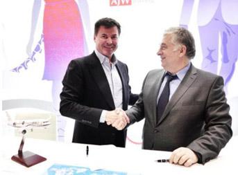 Подписание соглашения на МАКС-2015